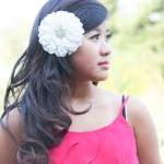 White Dalia Bridal Hair Cl..